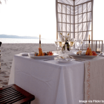 Romantic-dinner-on-beach