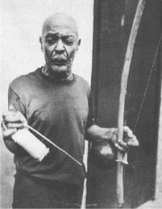 Mestre Pastinha fondatore della prima scuola di Capoeira Angola