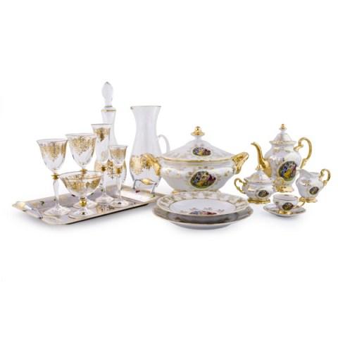 Completo Piatti in Porcellana Bicchieri in Cristallo e Vassoi in Acciaio con Decoro in Oro Giulia