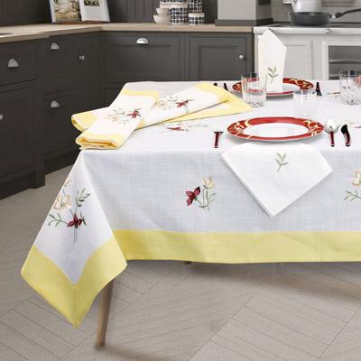 servizio-tovaglie-completo-ricamo-fiore-balza-giallo-basilea-400