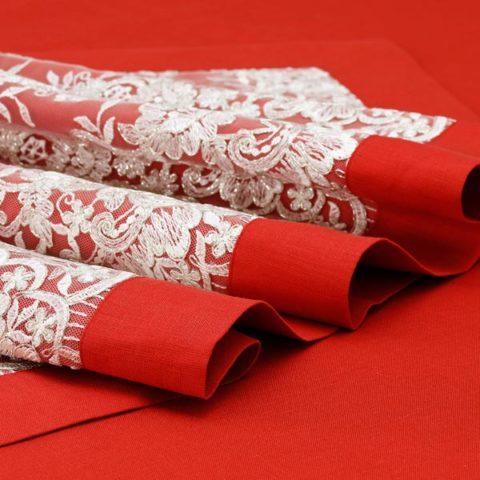 Corsia tovaglia natalizia in lino rosso con pizzo argento - Eloise