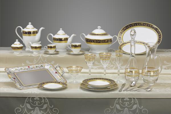 Coordinato piatti bicchieri vassoi decoro classico oro e blu Royal