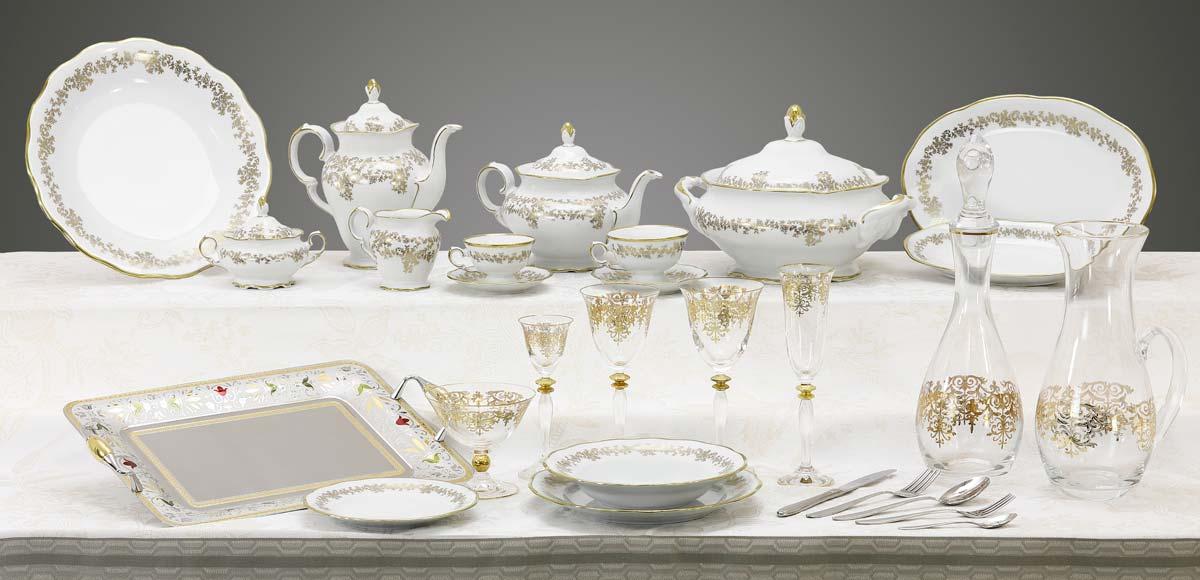 Completo piatti in fine porcellana tedesca bicchieri e vassoi con decoro in oro a mano Caterina