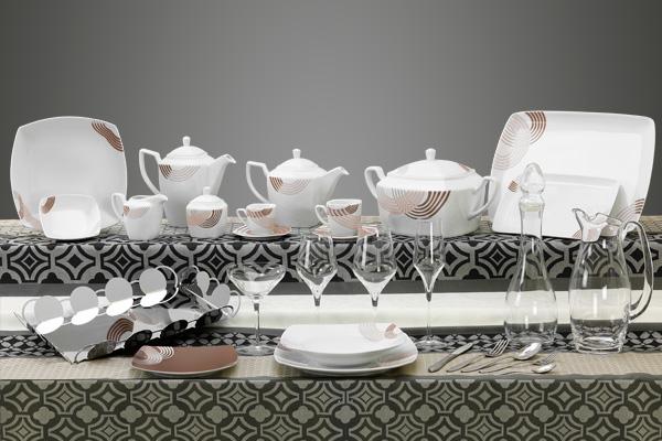 Coordinato piatti bicchieri e vassoi quadrati con decoro tortora cosmo