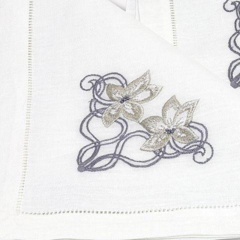 Tovaglia in lino bianco artigianale ricamata