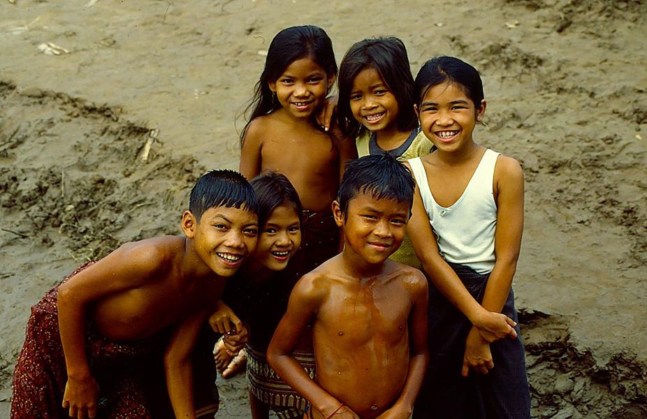 © Martina Miethig, Laos, Mekong, Kinder