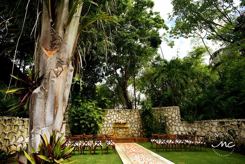 Garden Wedding at Mahekal Beach Resort in Playa del Carmen, Mexico. Martina Campolo Photography