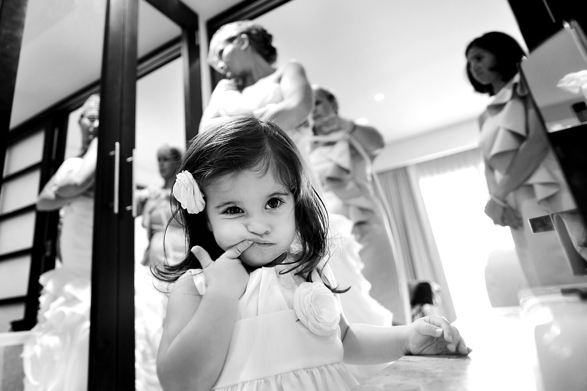 Kids at weddings by Martina Campolo Photographer