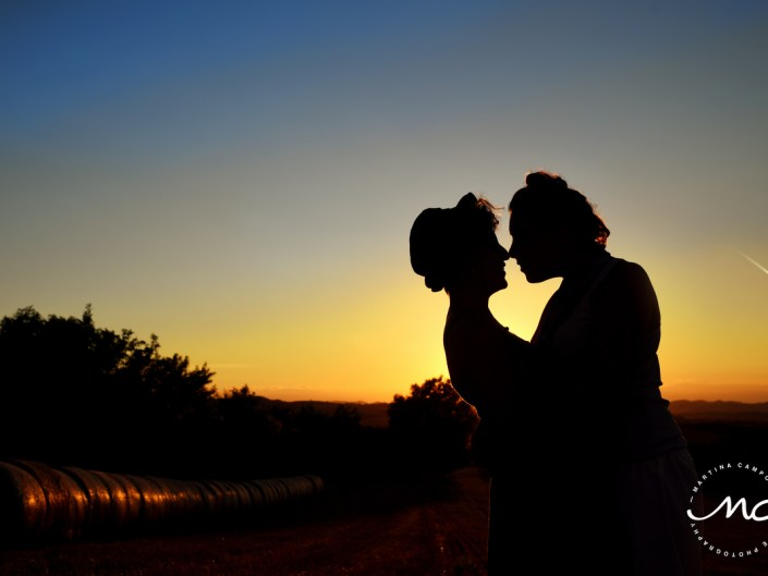 Same sex engagement Portraits. Silhouettes in Alessandria, Italy. Martina Campolo Photographer