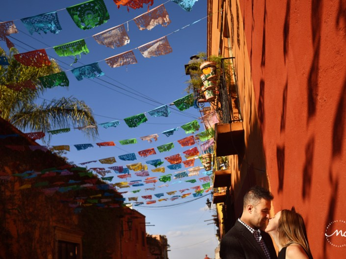 Engagement session in San Miguel de Allende, Guanajuato, Mexico. Martina Campolo Photography