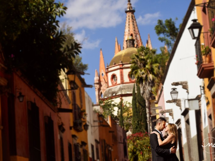 Anniversary session in San Miguel de Allende, Guanajuato, Mexico. Martina Campolo Photography