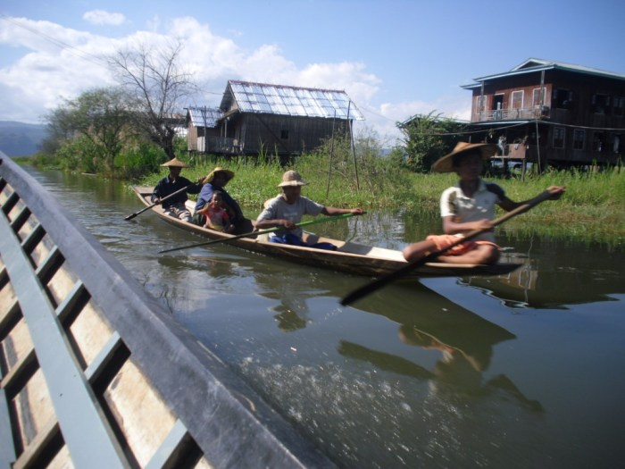 Travelling by boat at Inle Lake