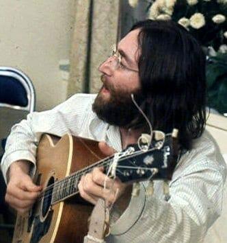 John Lennon. Fuente: Wikipedia. Autor: Roy Kerwood