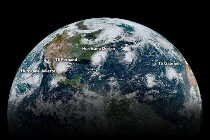 Los nombres de los cuatro ciclones tropicales alineados en todo el hemisferio occidental el 4 de Septiembre de 2019. Créditos: NASA Earth Observatory/Joshua Stevens; NOAA/Kathryn Hansen