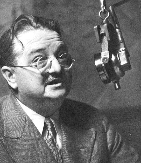 Critic and commentator Alexander Woollcott at the Garden of Allah hotel