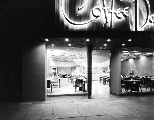 Coffee Dan's, 9561 Wilshire Boulevard, Los Angeles1