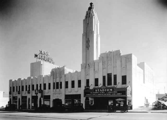 Fox Stadium on Pico Boulevard, 1931. Still standing