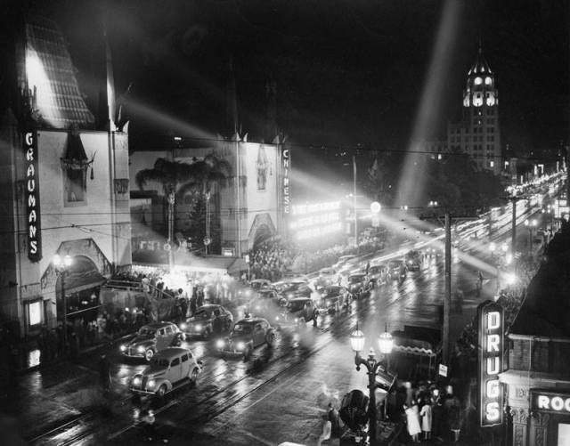 """""""A Tree Grows In Brooklyn"""" movie premiere at Grauman's Chinese Theatre, 1945"""