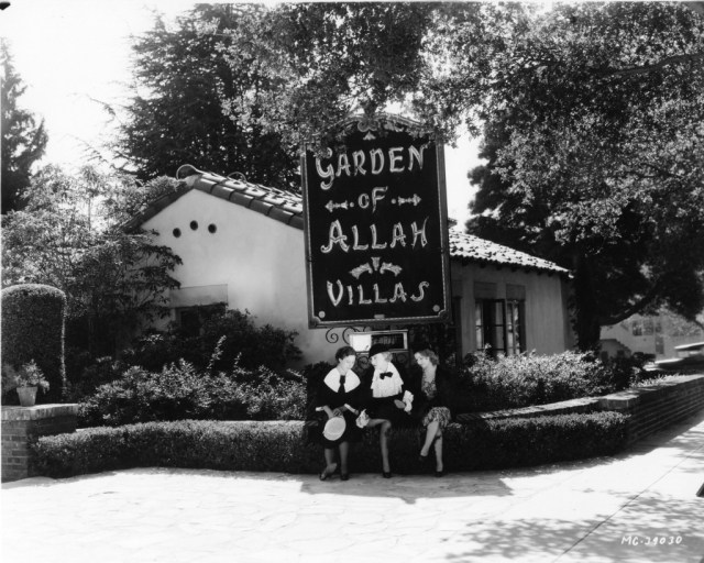Garden of Allah 1932 Starlets waiting under sign