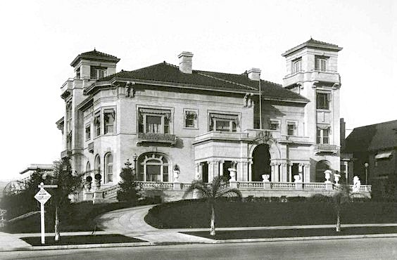 Home of Ida Harazsthy Hancock that stood in the northeast corner of Wilshire and Vermont from 1909 until it was demolished in 1938