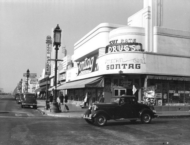 Wilshire Blvd at Cloverdale Ave, 1939