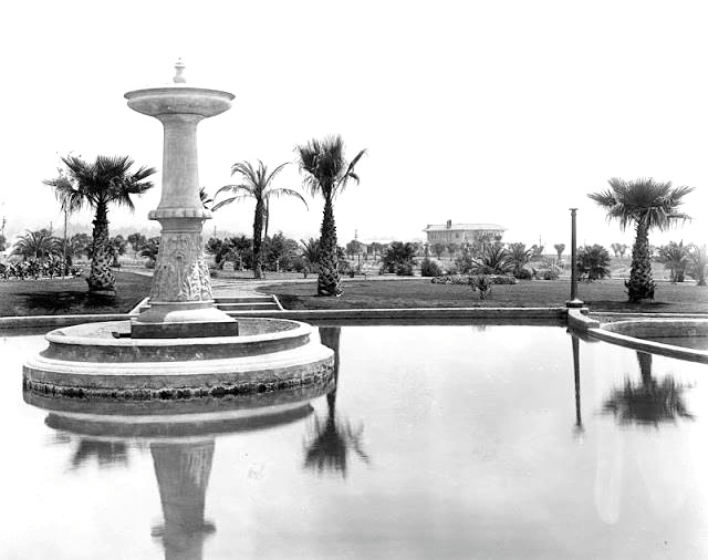 The fountain in Will Rogers Memorial Park across Sunset Blvd. from The Beverly Hills Hotel