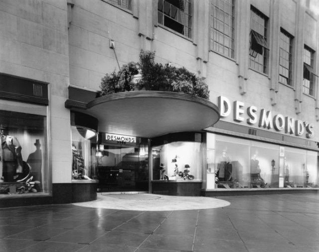 Entrance to Desmonds department store, Wilshire Blvd on the Miracle Mile, Los Angeles, 1939.