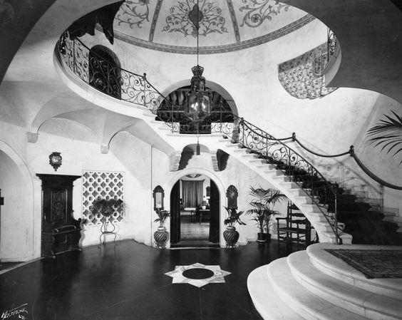 Entryway of Bugsy Siegel's Castillo Del Lago
