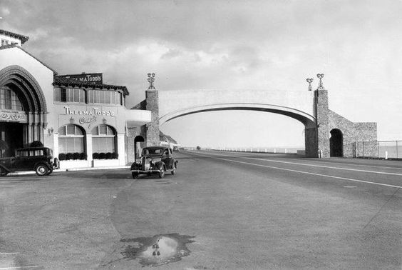 roosevelt-highway-now-the-pch-and-pedestrian-bridge-at-thelma-todds-1935