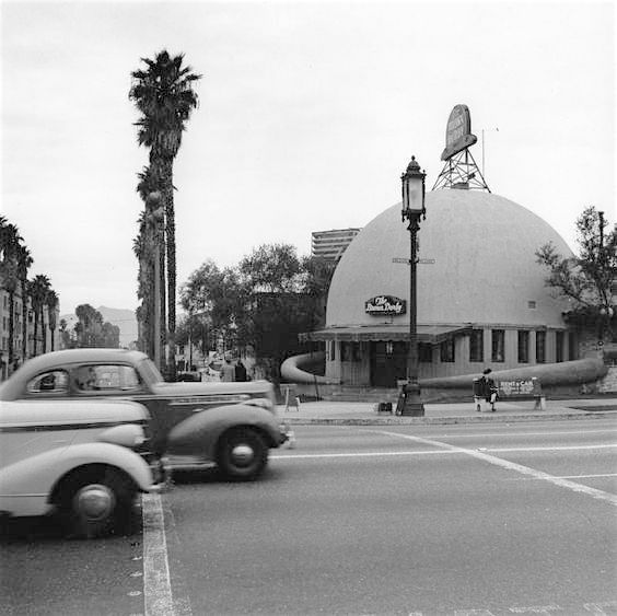 Brown Derby on Wilshire Blvd, circa early 1940s