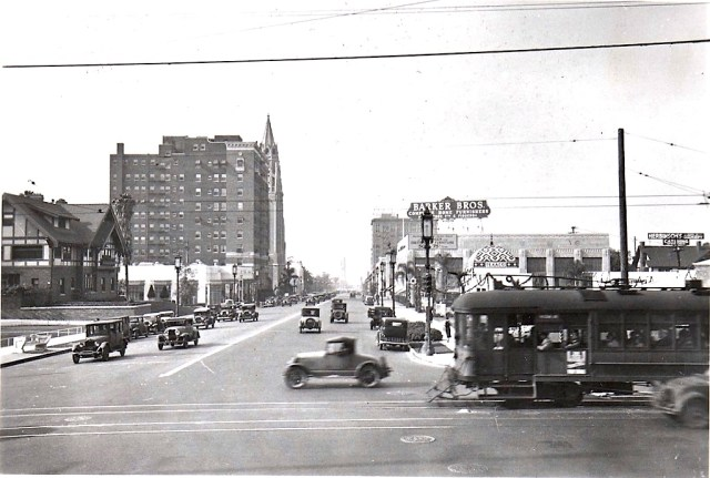 Looking west along Wilshire Blvd from New Hampshire Ave, Los Angeles, December 1932