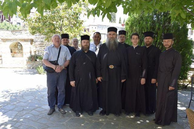 Două Mănăstiri Athonite au respins vizita unei delegații schismatice ucrainene (BOU)
