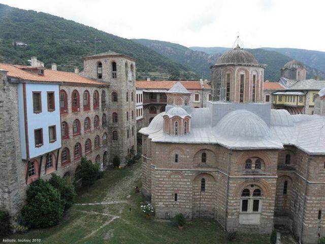Mănăstirea Xiropotamu din Sfântul Munte Athos interzice vizita schismaticilor ucraineni