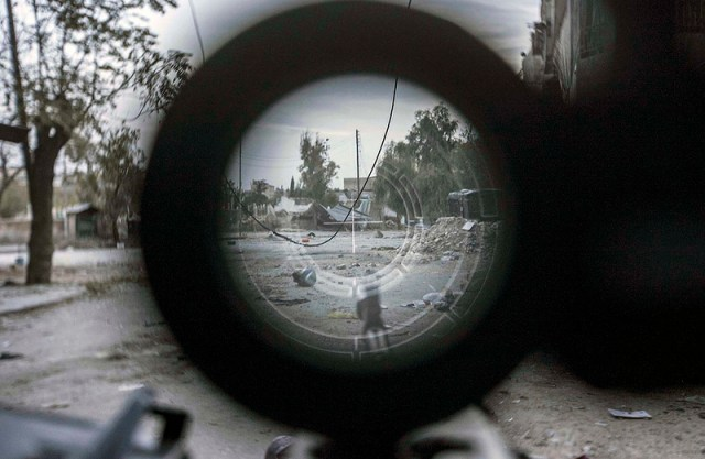 war in Syria rifle scope