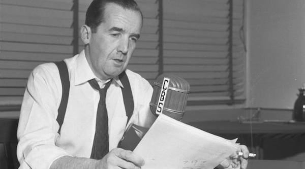 Edward R Murrow broadcasting