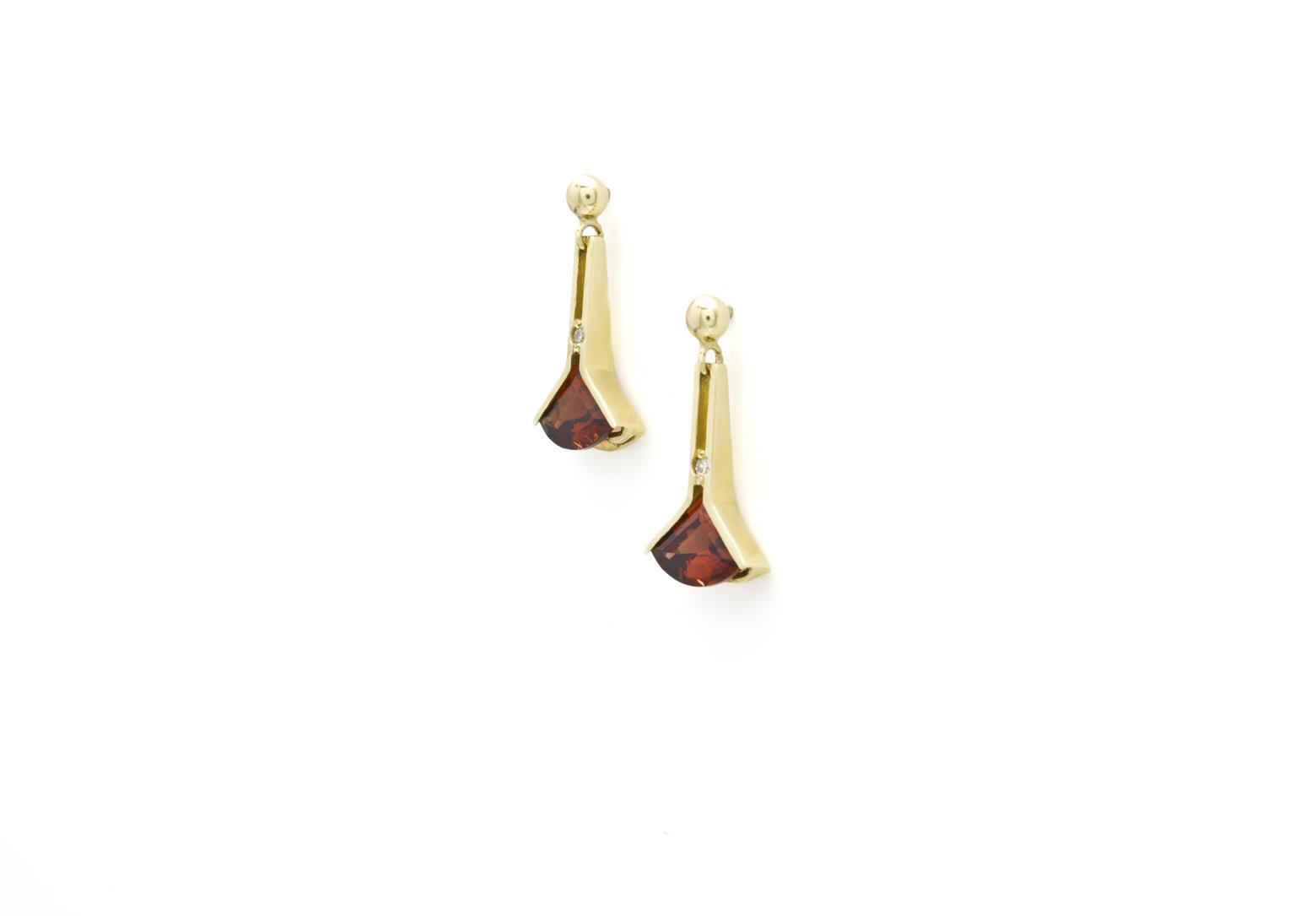 Fan Short Drop Earrings