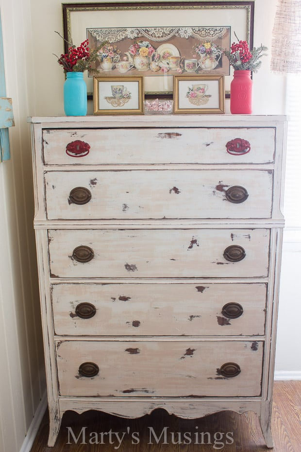 I wanted a shabby chic distressed paint look for this office chair. 7 Chalk Painting Tips For Beginners Supplies You Must Have