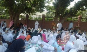 Young Nurses Protest in Multan 02