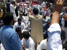 Kashmir Health Workers Successful Strike (4)