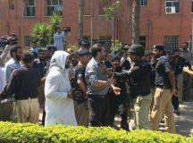پشاور: ینگ ڈاکٹرز پر ریاستی تشدد مردہ باد! ''اصلاحات'' کے نام پر سرکاری ہسپتالوں کی نجکاری نامنظور!