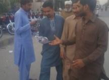 لاہور: یوم مئی کی تیاریوں کے سلسلے میں کوٹ لکھپت فیکٹری ایریا کا دورہ، بڑی تعداد میں لیف لیٹ تقسیم