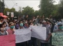 لاہور: میٹرو اور سپیڈو بسیں چلانے والی کمپنی انباکس کے محنت کشوں کا تین ماہ سے تنخواہوں کی عدم ادائیگی کیخلاف احتجاجی مظاہرہ