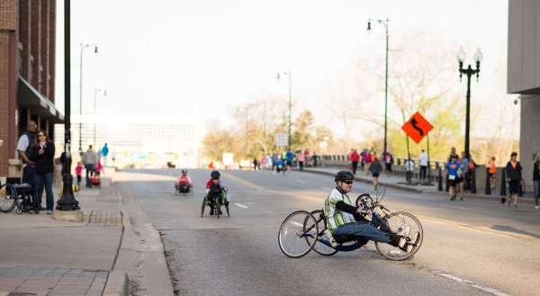 2016 Fifth Third River Bank Run Wheelchair & Handcycle Racers