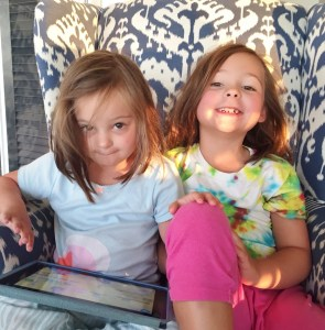 sisters Lola & Cleo