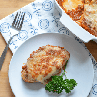 Cauliflower Parmigiana | A hearty vegetarian dinner, perfect for Meatless Mondays!