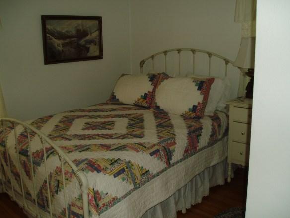 Eensy bedroom