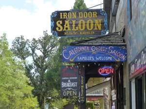 This is the first time we've ever stopped in Groveland. It's too early in the day for the Iron Door Saloon.