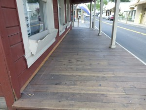 There are even old timey wood boardwalks in Groveland. We stop at the Firefall Coffee Roasting Co.  and pick up a couple of sandwiches for a picnic later in the day.