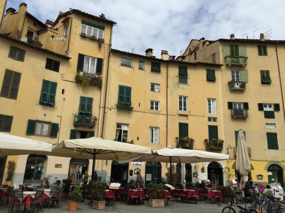 We stop for a cup of espresso in the Antiteatro. The buildings are built on the foundations of a Roman ruin.
