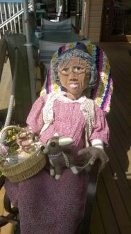 KEN01 Scarecrow Name: Nanna McGinn Owner: Mc Ginn's of Kenilworth 11 Elizabeth St Kenilworth 4574 Registration Centre: Kenilworth Category: Artistic